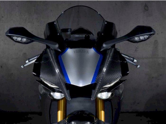 Kawasaki 250 4-Silinder Digemari, Yamaha 'Kebakaran Jenggot'