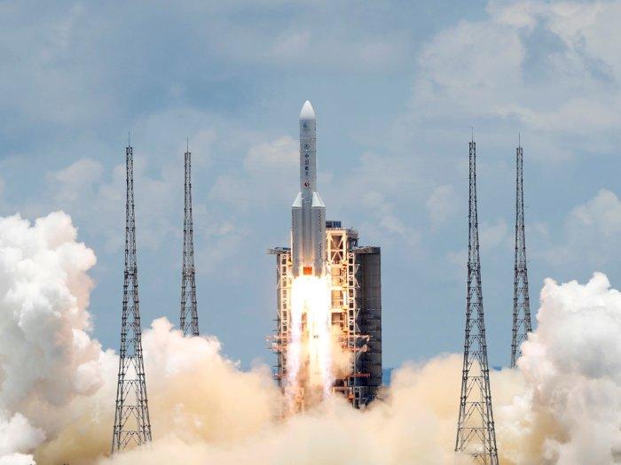 FOTO: Tiongkok Luncurkan Misi Pertama Tanpa Awak ke Planet Mars
