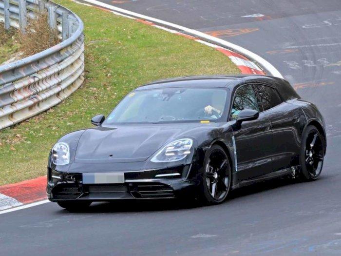 Porsche Kepergok Lakukan Tes Jalan pada Taycan Cross Turismo di Sirkuit Nurburgring