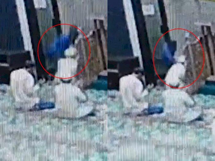 Viral Video Detik-detik Imam Masjid di Pekanbaru Ditusuk Seorang Pemuda saat Berdoa