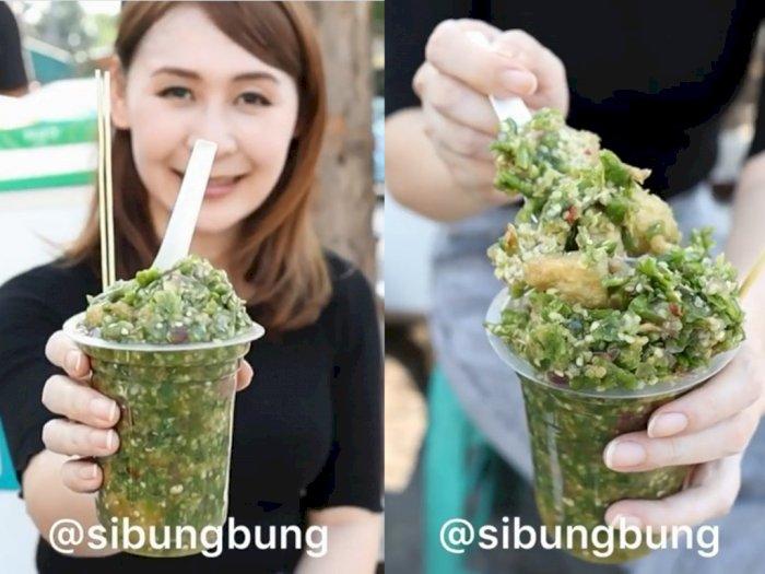 Food Vloger Ini Makan Tahu Gejrot Pakai 130 Cabai Rawit, Levelnya Pedas Mampus!