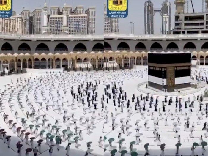 Pertama dalam Sejarah, Tawaf di Masjidil Haram Terapkan Physical Distancing