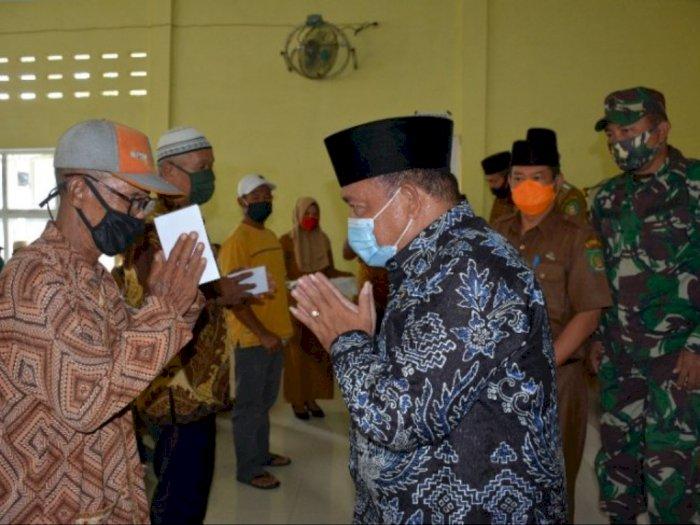 Pemerintah Langkat Berikan Bansos Kepada Penggali Kubur dan Bilal Mayit