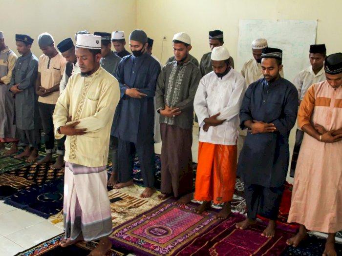 FOTO: Potret Suasana Salat Iduladha Pengungsi Rohingya di Aceh