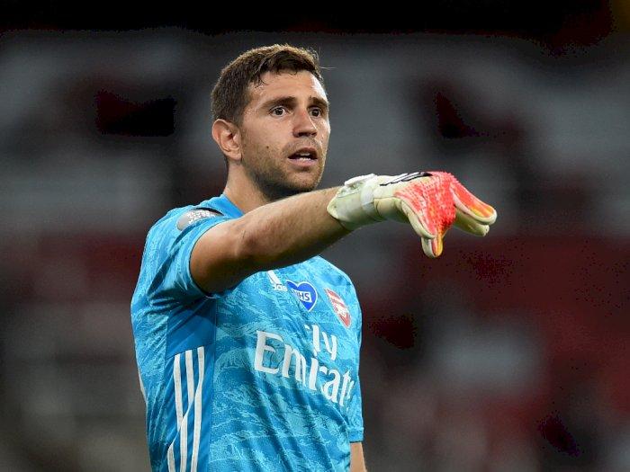 Kiper Arsenal Dedikasikan Trofi Piala FA untuk Suporter