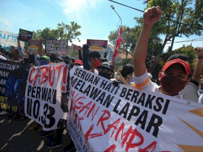 Tak Bisa Bekerja, Ratusan Pekerja Hiburan Malam Demo Tuntut Perwali 33/2020 Dicabut