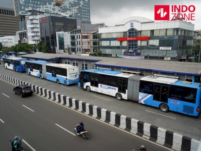 Ganjil Genap Terbukti Efektif, Tak Ada Kepadatan di Halte Transjakarta
