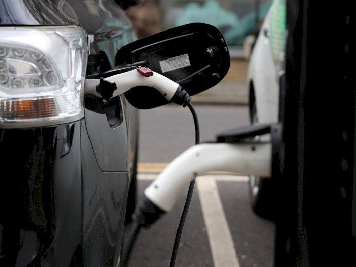 Lokasi Parkir Ini Bukan Terapkan Pembayaran dengan Uang, Melainkan Energi Mobil Listrik