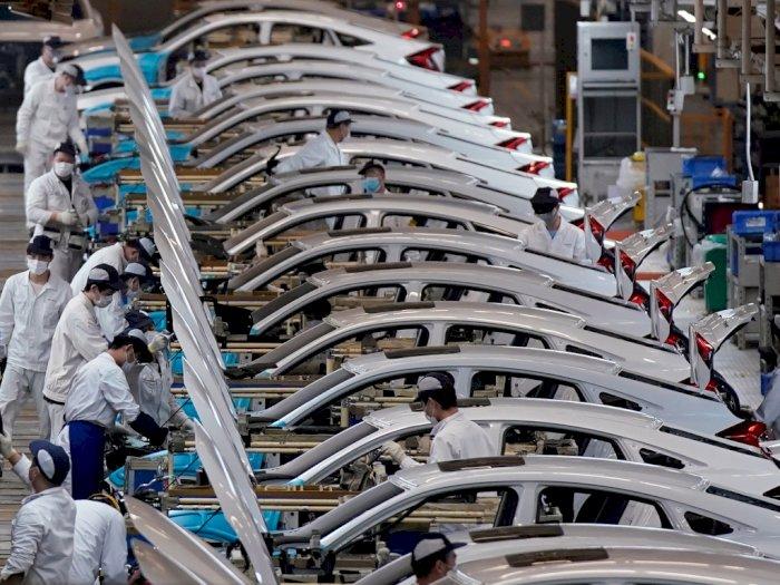 Honda Menyuruh Staf Kantor untuk Bekerja di Pabrik Produksi, Kenapa Nih?