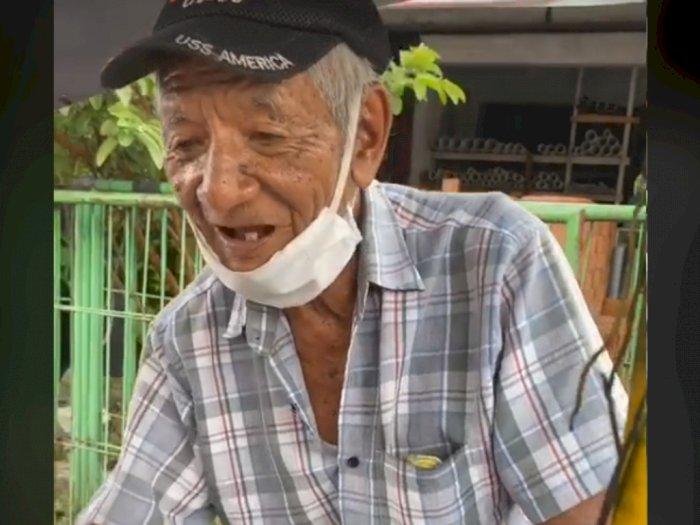 Usia 92 Tahun, Kakek Ini Tetap Semangat Gowes Sepeda Jualan Burger, Dagangan Sepi Pembeli