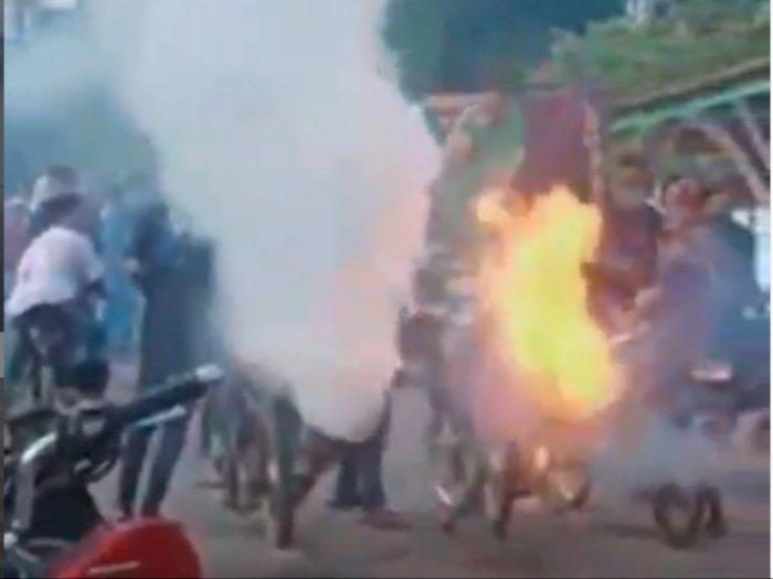 Viral Video Remaja Nyalakan Motor Berknalpot Jumbo, Keluarkan Api Besar dan Kepulan Asap