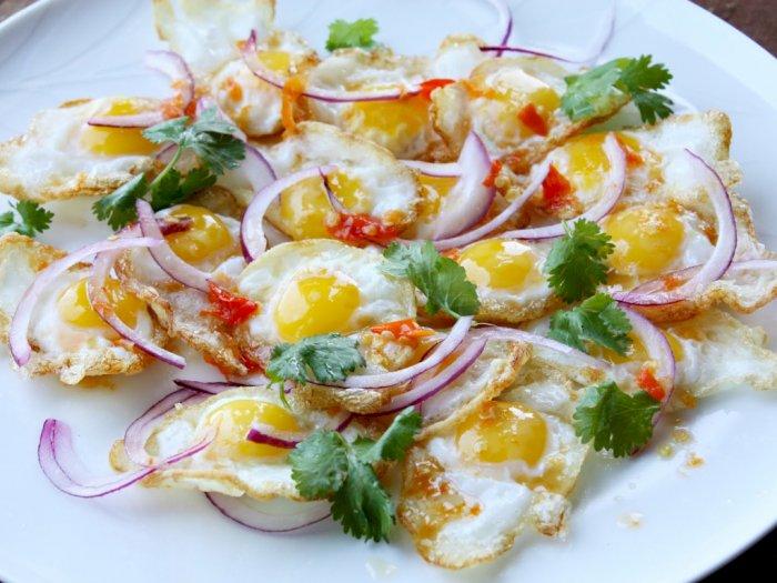 Sarapan Spesial Pakai Salad Telur Goreng Thailand, Ini Resepnya