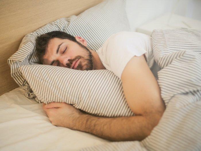 Tidur Lebih Nyenyak dengan Semprotan Minyak Esensial, Begini Cara Membuatnya