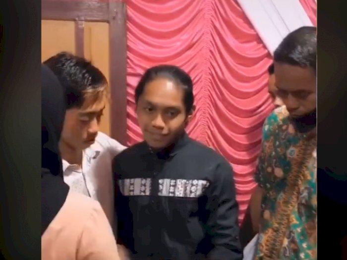 Video Detik-detik Pria Datang ke Pernikahan Mantan, Cewek Nangis Sesenggukan di Pelaminan