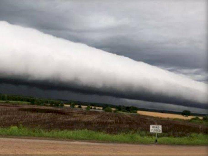 Mengenal Roll Cloud, Awan yang Bergulung Seperti Tsunami