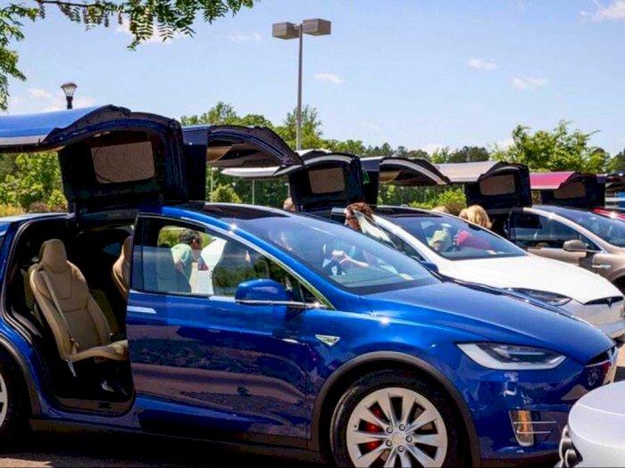 Adu Kencang Empat Model Mobil Tesla Saat Ini, Siapa yang Menang?