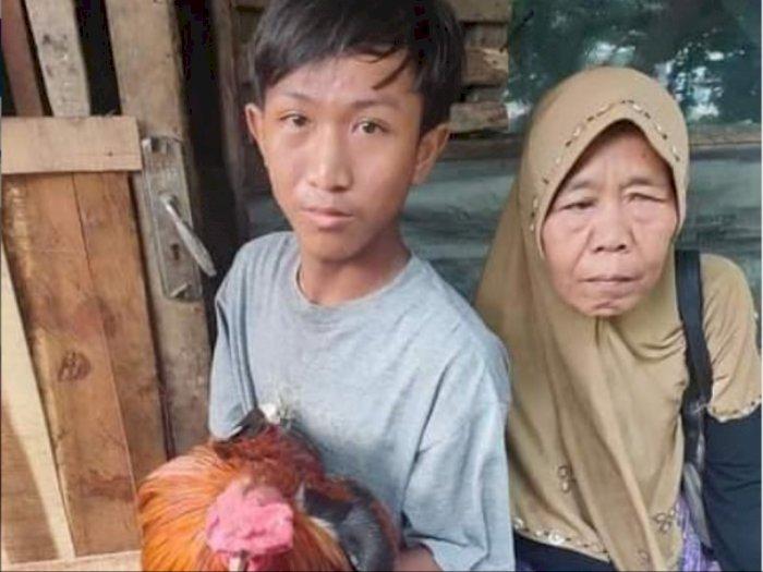 Anak Yatim Jual Ayam Demi Beli HP Buat Belajar Online, Tinggal di Rumah yang Nyaris Roboh