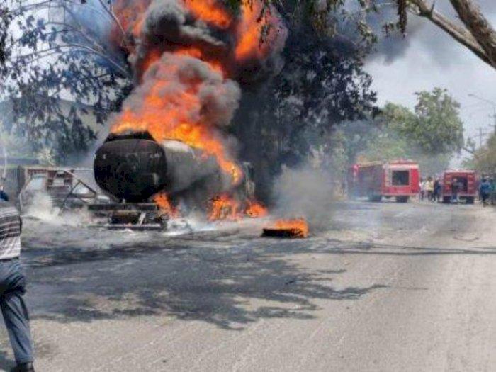 'Kencing BBM' Diduga Jadi Penyebab Kebakaran Truk Pertamina di Medan Marelan