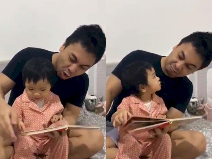 Raditya Dika Dongengin Anaknya dengan Cara yang Unik, Netizen: Alea Yang Sabar Ya