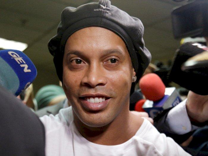 Cara Ronaldinho Rayakan Kebebasannya, Gelar Pesta dengan Para Model