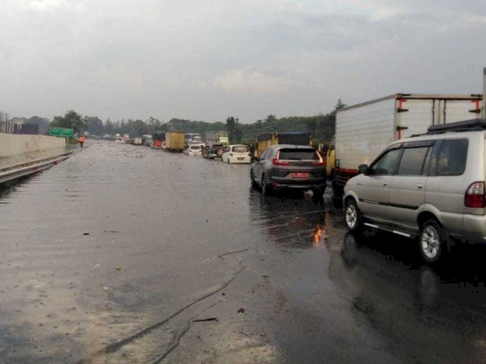 Proyek Kereta Cepat Bikin Tol Purbaleunyi Banjir, KCIC Minta Maaf