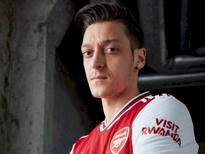 Ozil Tegasin Nggak Bakal Tinggalin Arsenal Sampai Kontraknya Habis