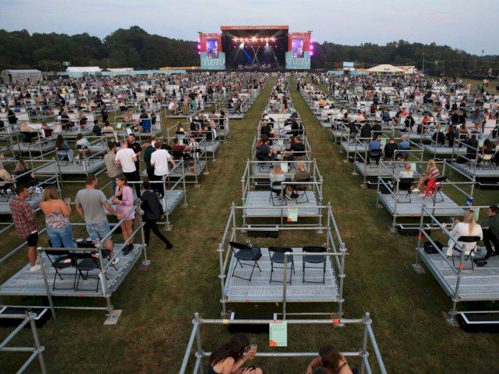 Inggris Berhasil Gelar Konser Secara Physical Distancing Pertama di Dunia, Ini Potretnya