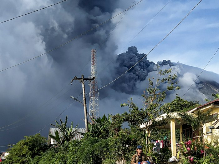 Gunung Sinabung Kembali Erupsi Pada Hari Ini Jumat 14 Agustus 2020