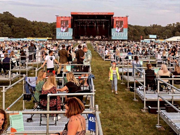 Inggris Gelar Konser dengan Social Distancing dan Panggung Khusus Penonton
