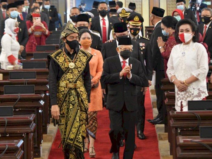 Beda dari Jokowi yang Pakai Baju Adat, Ma'ruf Amin Justru Hanya Kenakan Jas