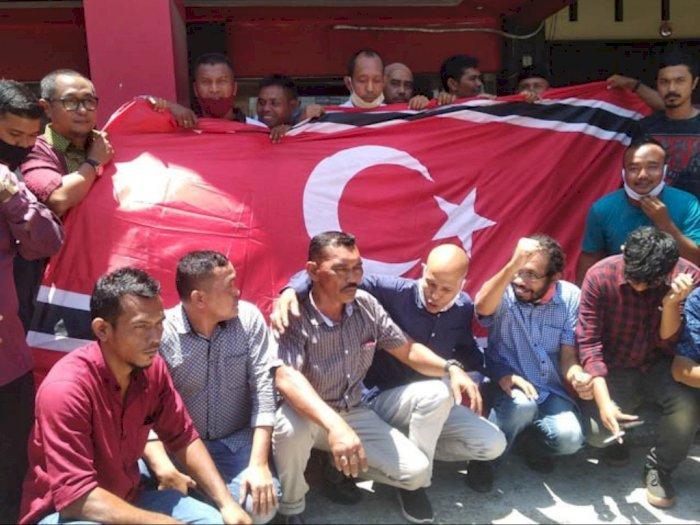 Peringati 15 Tahun Perdamaian, Partai Aceh Kibarkan Bendera Bulan Bintang