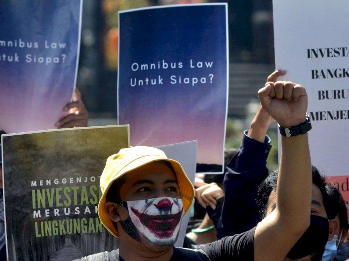 RUU Cipta Kerja Dinilai Tak akan Berdampak pada Sektor Investasi, Lalu untuk Apa Disahkan?