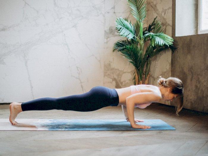 Satu Pose Yoga Ini Baik Dilakukan Setiap Pagi untuk Tingkatkan Kesehatan Fisik dan Mental