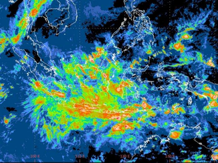 Warga Sumut Waspadai Hujan Disertai Petir dan Angin Kencang pada Hari Ini