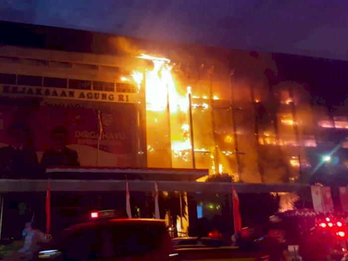 Gedung Kejaksaan Agung Dilalap si Jago Merah, Terbakar atau Dibakar?