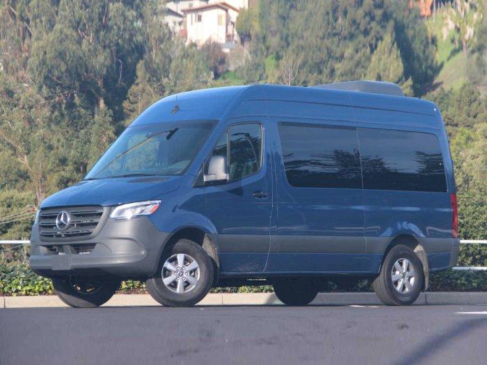 Mercedez-Benz Hentikan Produksi dari Van Freightliner Sprinter Miliknya!