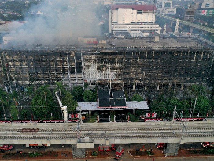 Kebakaran Gedung Kejagung Masih dalam Tahap Pendinginan