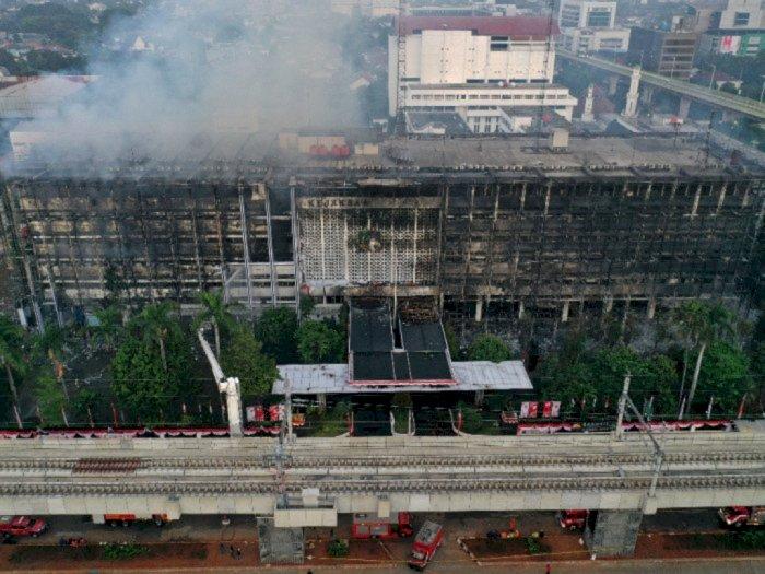 OB Hingga Pimpinan per Lantai Kejagung Diperiksa Polisi Soal Kebakaran Gedung