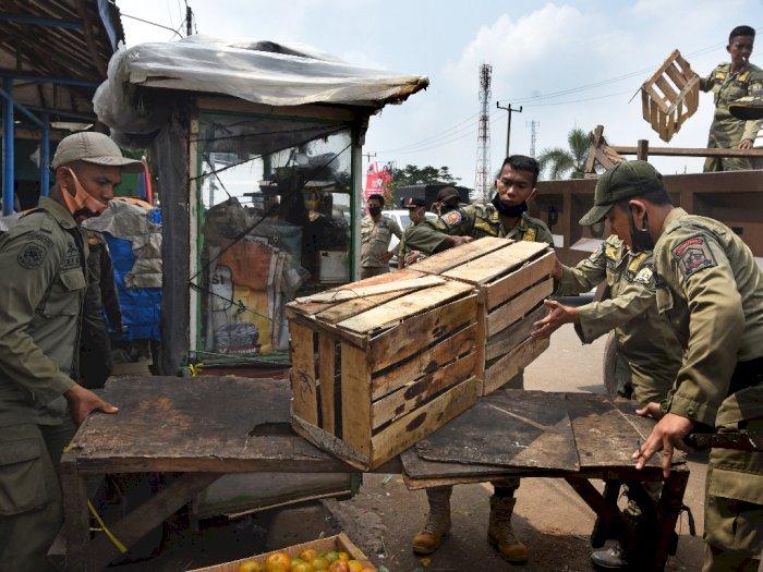 FOTO: Penertiban PKL di Pasar Induk Rau