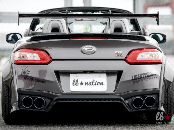 Mobil Daihatsu Copen Ini Disulap Menjadi Nissan GT-R Versi Mini, Keren Abis!