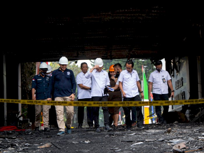 Olah TKP Gedung Kejagung, Puslabfor Bawa Abu Arang untuk Diteliti