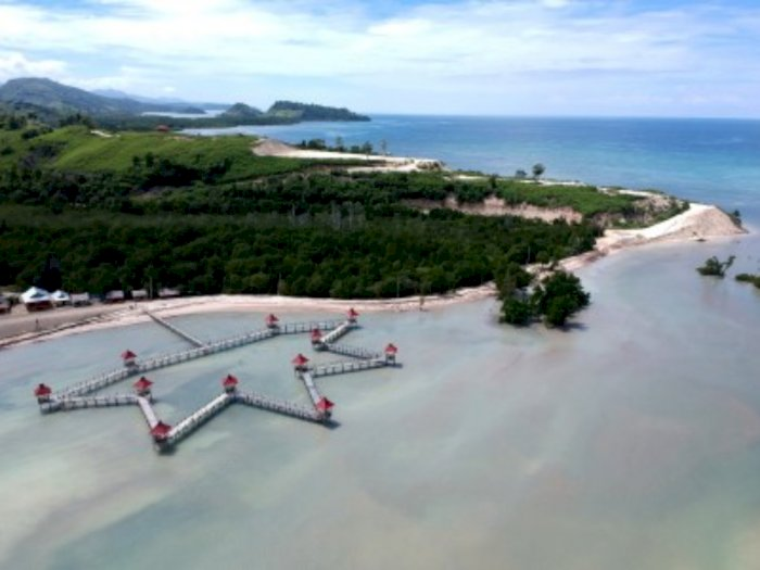 FOTO: Pesona Pantai Ratu Tenilo di Gorontalo