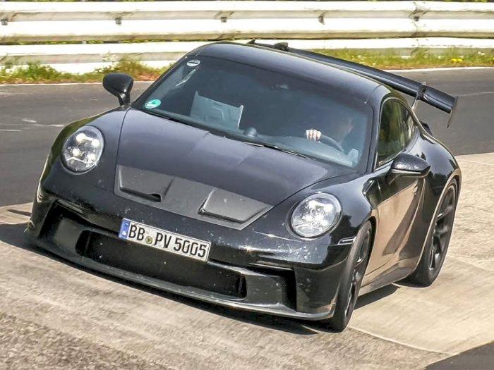 Melihat Seperti Apa Porsche 992 GT3 & GT3 Touring di Atas Track Balap!