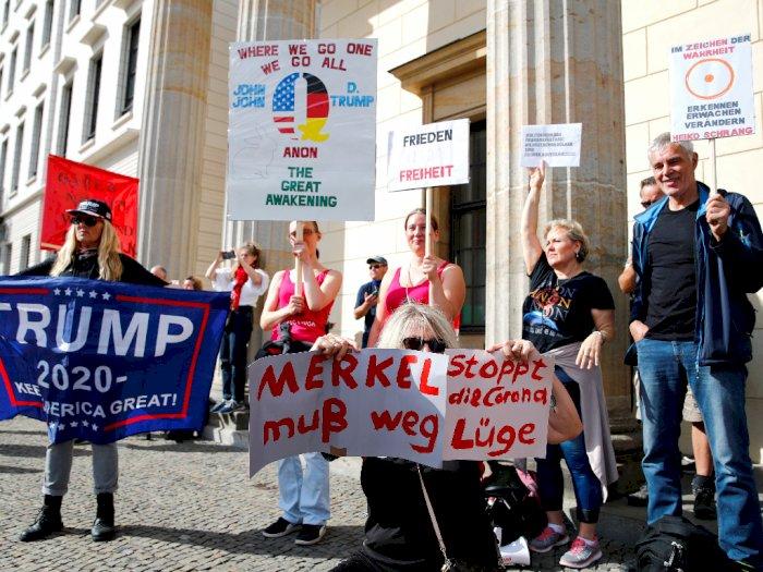 FOTO: 38.000 Orang Berdemonstrasi Menentang Aturan Covid-19 di Berlin