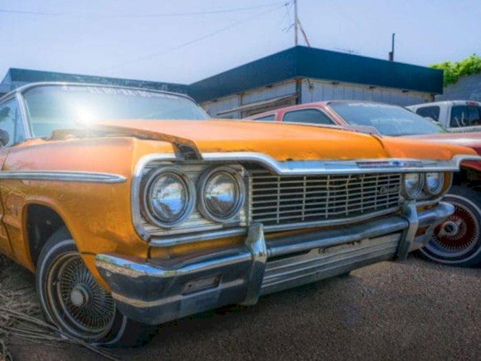 Mobil Chevrolet Impala 1964 Ini Nganggur Sejak Tragedi Nuklir Fukishima Tahun 2011