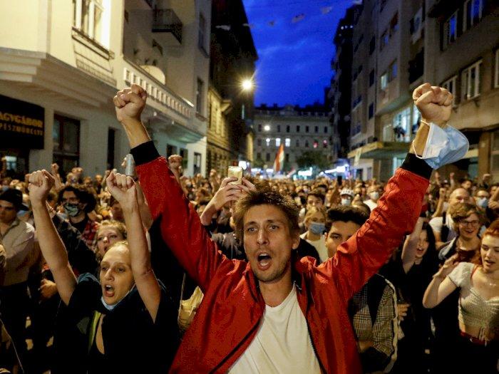 FOTO: Protes Kontrol Pemerintah atas Universitas Seni Teater dan Film di Budapest