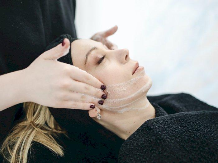 Pakai 3 Produk Kecantikan Ini Sama Hasilnya dengan Melakukan Perawatan di Spa