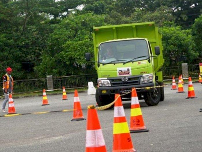 Di Tengah Pandemi, Hino Beri Pelatihan Safety Driving Bagi 95 Sopir Truk