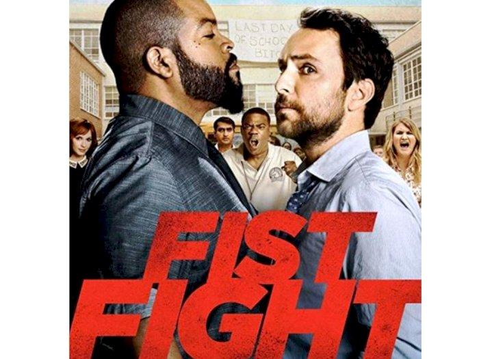 "Sinopsis ""Fist Fight (2017)"" - Duel Lucu Seorang Guru Bengis vs Pengecut"