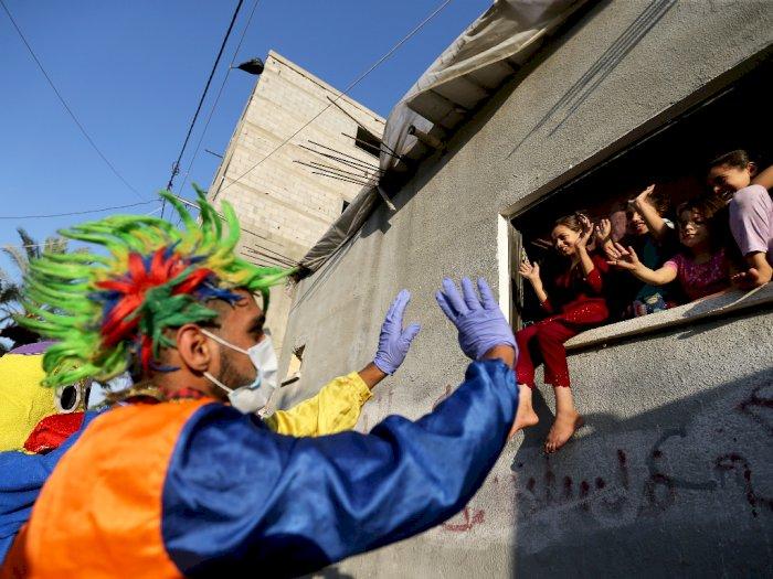 FOTO: Badut-badut Menghibur Warga Palestina di Gaza